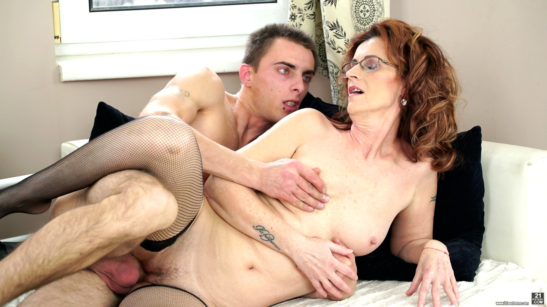 Free Mom And Boy Porn Pics, Best Mature And Boy Sex Images