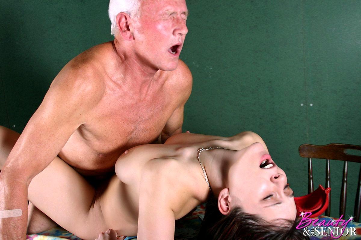 старики жестко трахают молодую вот сленг увы