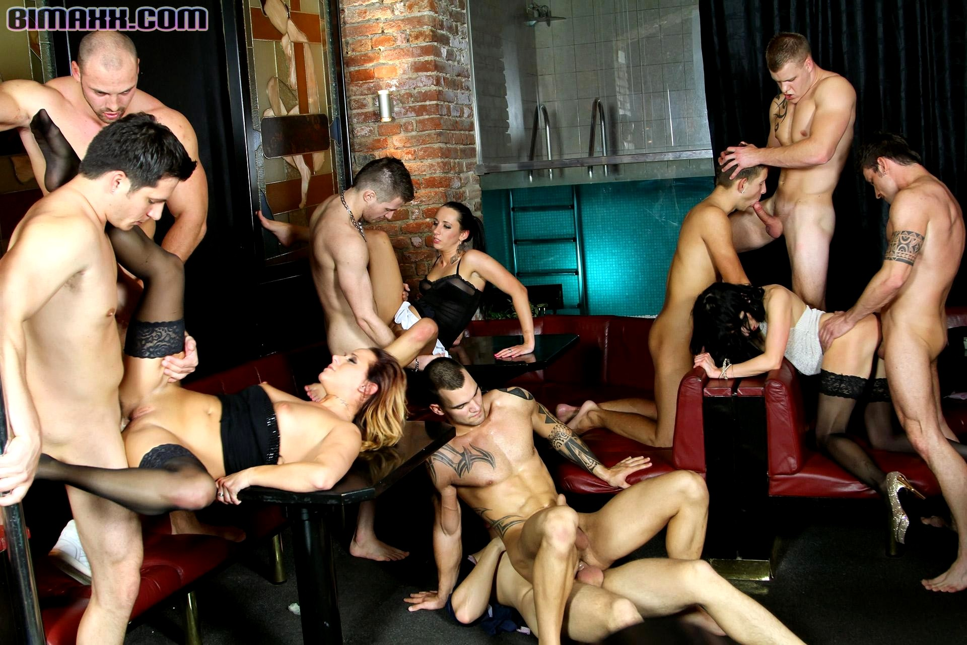 порно фото бисексуальная вечеринка красивом