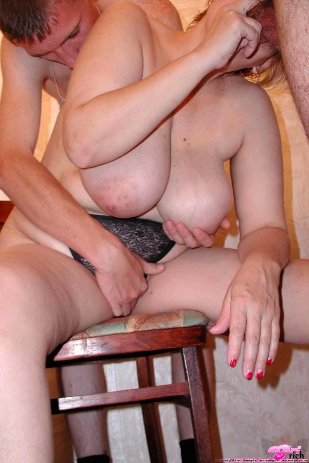 russkoe-porno-trahnul-zreluyu-sosedku-masturbatsiya-uretri-porno-video-onlayn