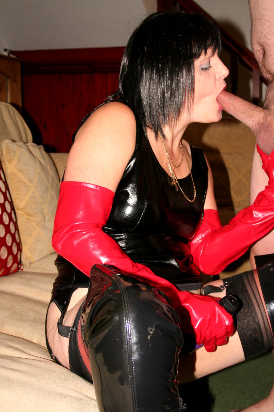 Spicy Tattooed Chick In Leather Pants & Boots Fucking!