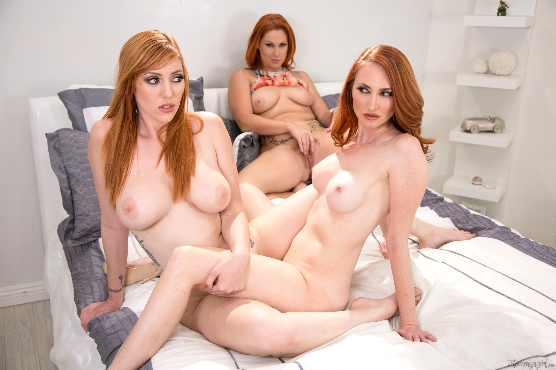 Red hot lauren in lesbian videos