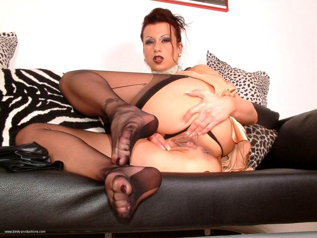 nylons-porn-movie-women-nude-fucking