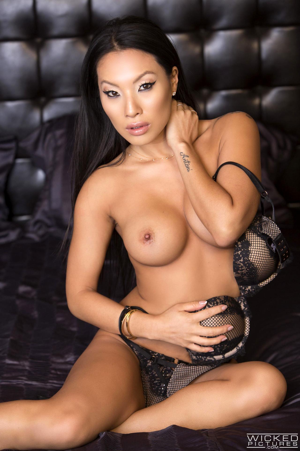 Порно самые актрисы азиатские красивые